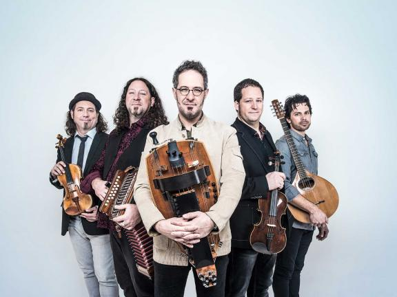 band photo of Le Vent du Nord