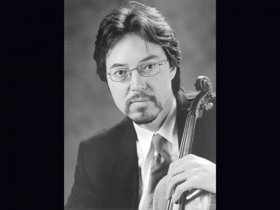 headshot of violinist Haldan Martinson