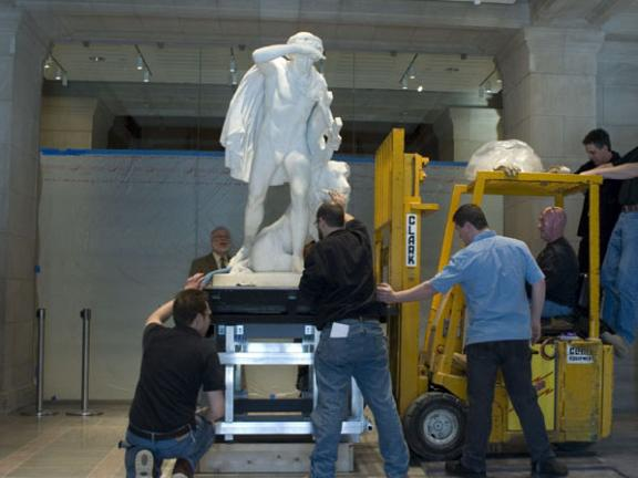 Transport of Thomas Crawford's Orpheus and Cerberus on its steel pedestal
