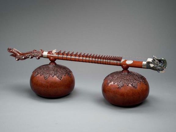 Zither made by Murari Mohan Adhikari