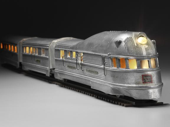Burlington Zephyr electric train model by Western Coil & Electric Company, designed in 1934.