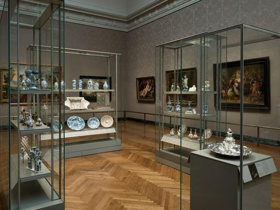 Installation view of Dutch ceramics in the Art of the Netherlands in the 17th Century, 242